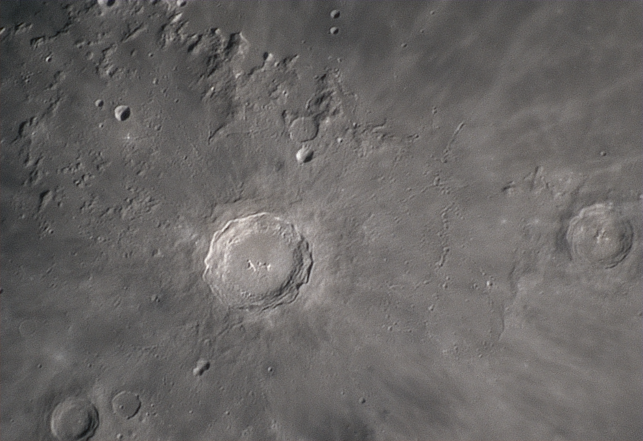 2020-05-03-2027_4-RGB-Moon_lapl4_ap1247_